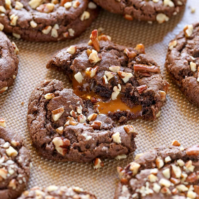 Easy Chocolate Turtle Cookies