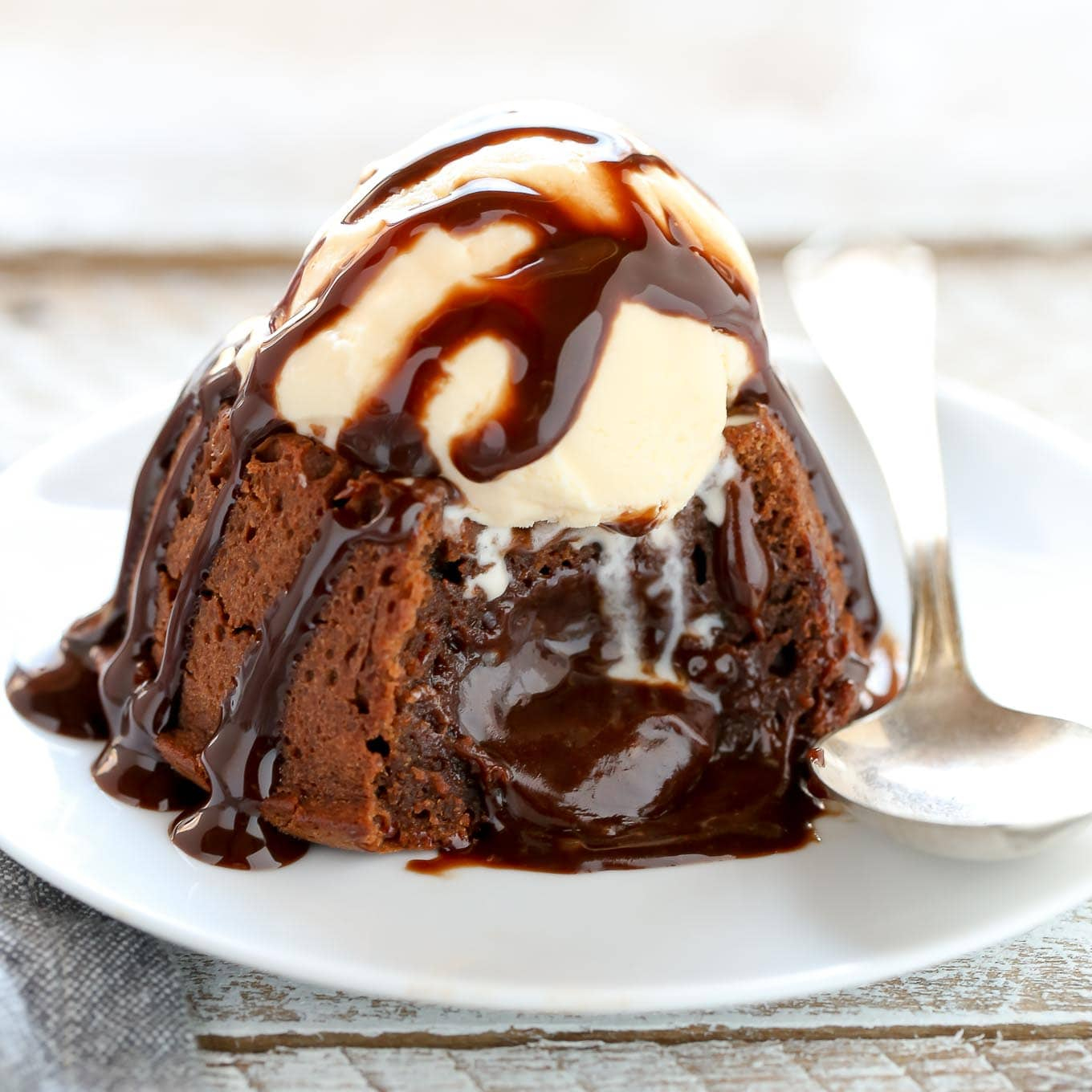 Chocolate Molten Cake Easy Recipe