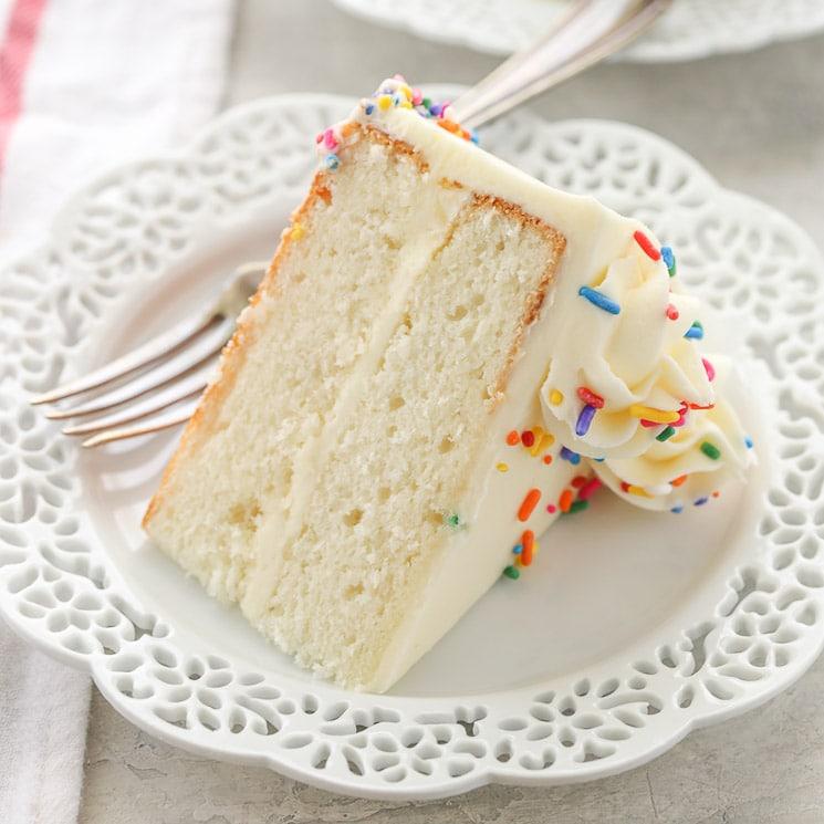 How To Bake A Sponge Cake Youtube